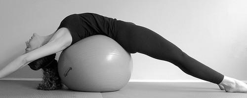 Veja quais exercícios ajudam a combater a hipercifose