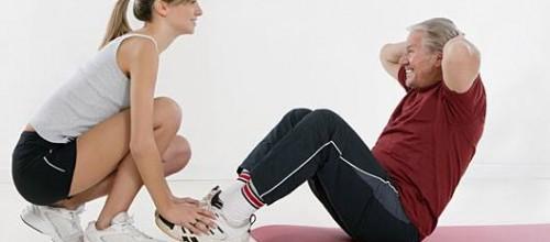 Exercícios intensos de 6s 'melhoram saúde de idosos', diz pesquisa