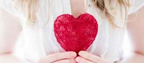 Infarto em mulheres: saiba como os sintomas são diferentes dos que os homens apresentam