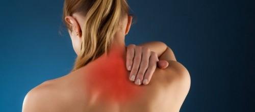 Pilates combate tensão em ombros e pescoço trabalhando a postura