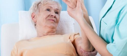 Previna a osteoporose conhecendo os sintomas