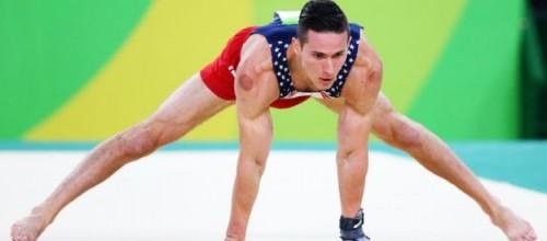 O que são as marcas no corpo de alguns atletas nas olimpíadas?