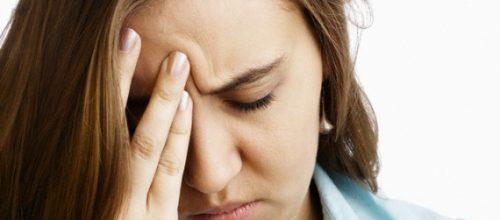 Conheça 10 alimentos que ajudam a combater as crises de dor de cabeça