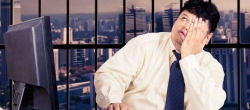 Segundo pesquisa, trabalhar sentado dá mais barriga do que você imagina