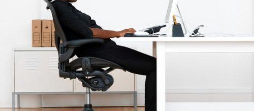Má postura no trabalho resulta em doenças