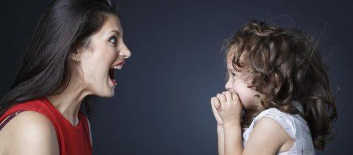 Gritar com as crianças não é a melhor forma de educar e pode causar danos ao cérebro