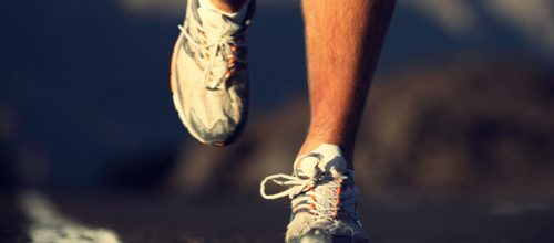 Saiba escolher o tênis certo pra corrida, evite lesões